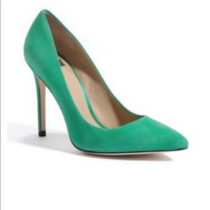 Guess by Marciano green Ada pumps